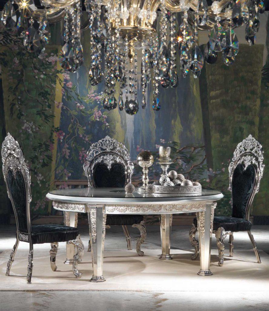 Royal Dining Room 4