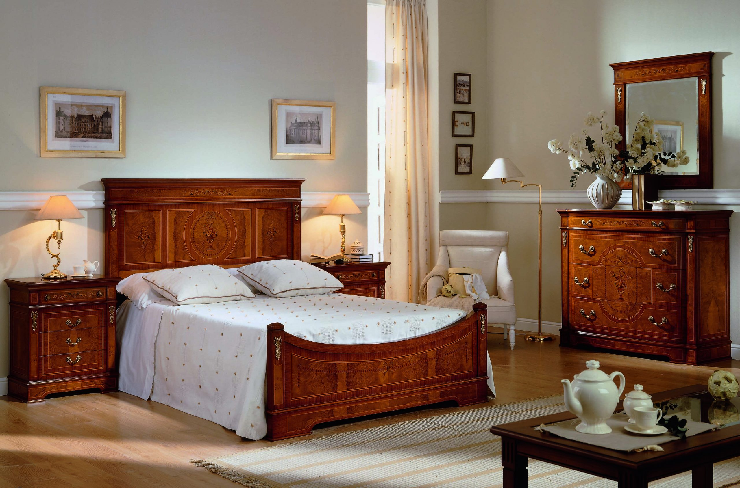 Traditional Bed Room